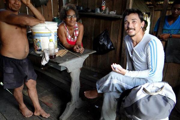 Leonardo Kumagai, interviewing biribá holders at Acará Lagoon in middle Madeira River, Amazonia, Brazil.