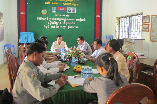 Saber Masoomi at an evaluation meeting for the Ramsar Tonle Sap project in Cambodia (2011).